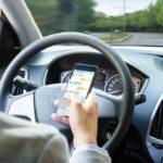 Téléphone au volant : arrêter son véhicule et couper le moteur ne suffit plus !